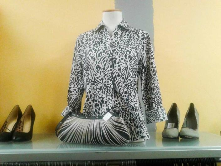 košile, halenky, šaty kalhoty, sukně, kabelky, boty